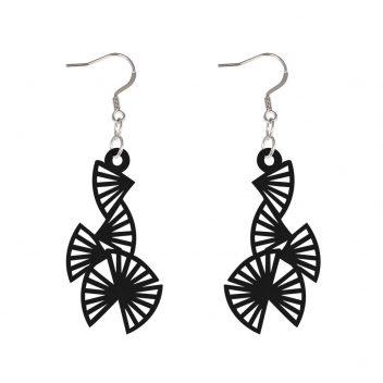 16-09-03-01-black-origami-earrings-black_1